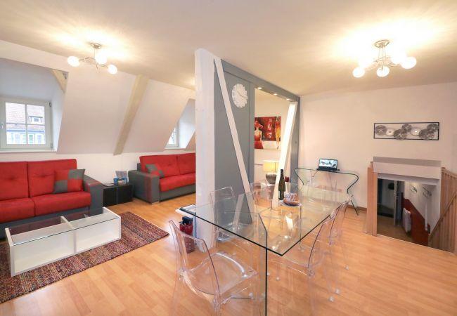 公寓 在 Colmar - GLUCK **** duplex 97m² centre ville 3 chambres 2 w