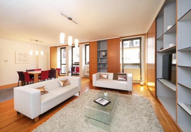 公寓 在 Colmar - ZELLER**** centre ville 182m² CLIM 4 chambres 3 sd